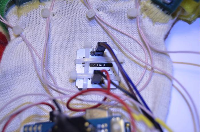 arduino bluetooth gloves