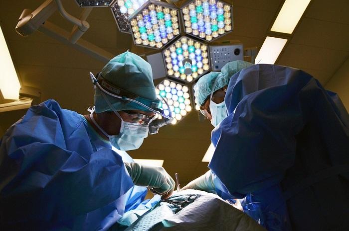 surgeons before medical robot technology
